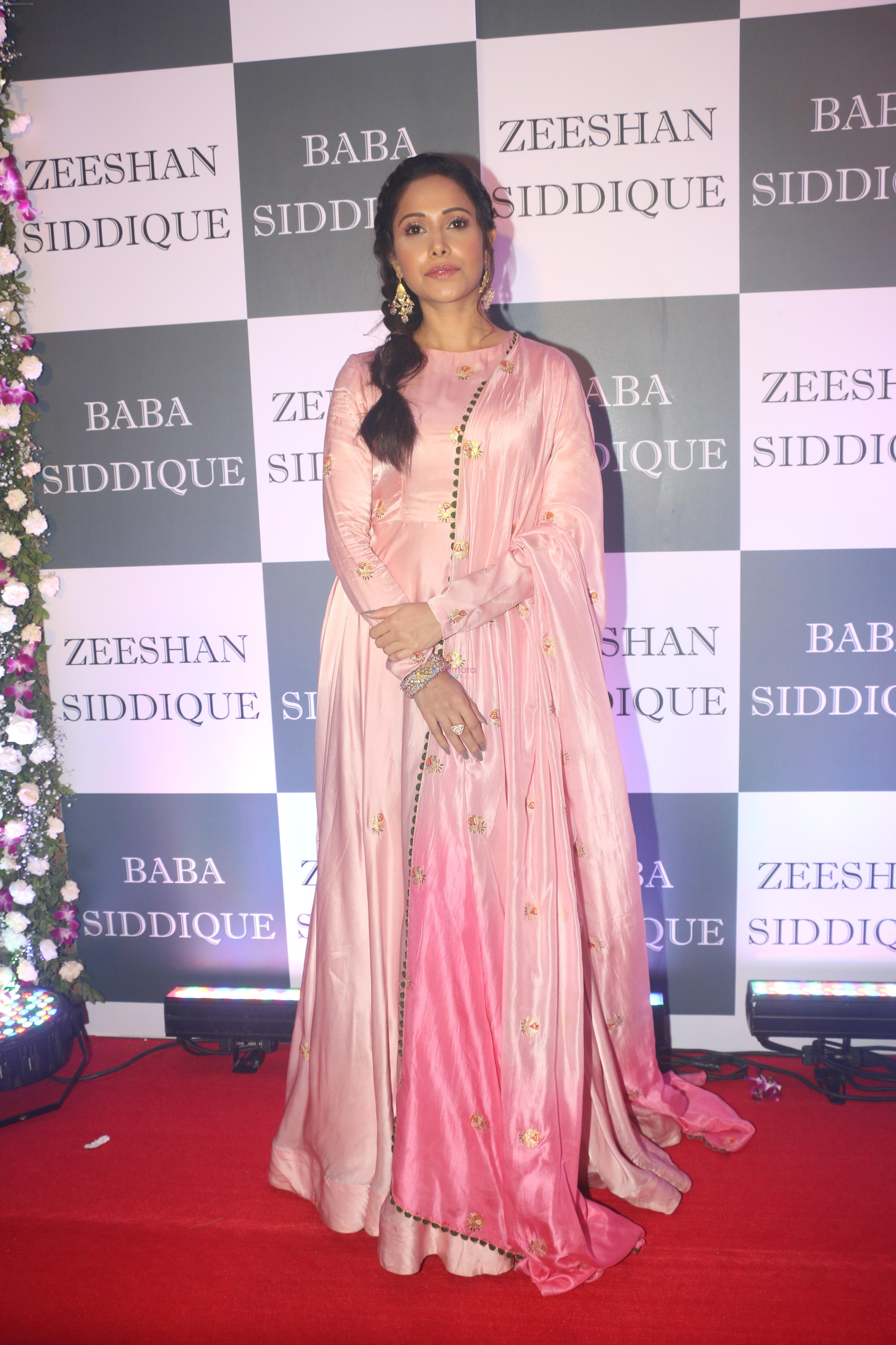 Nushrat Barucha at Baba Siddiqui iftaar party in Taj Lands End bandra on 2nd June 2019