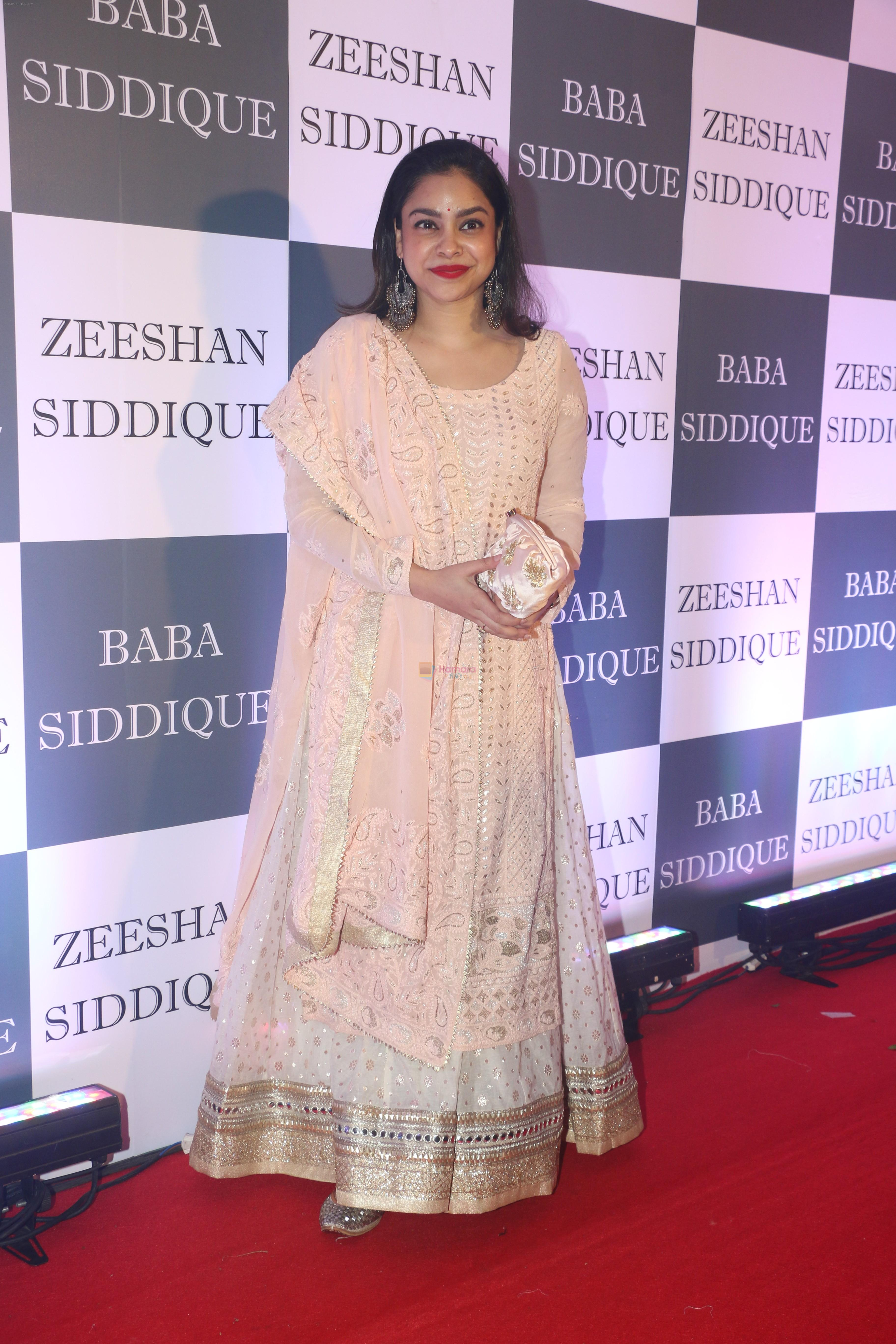 Sumona Chakravarti at Baba Siddiqui iftaar party in Taj Lands End bandra on 2nd June 2019