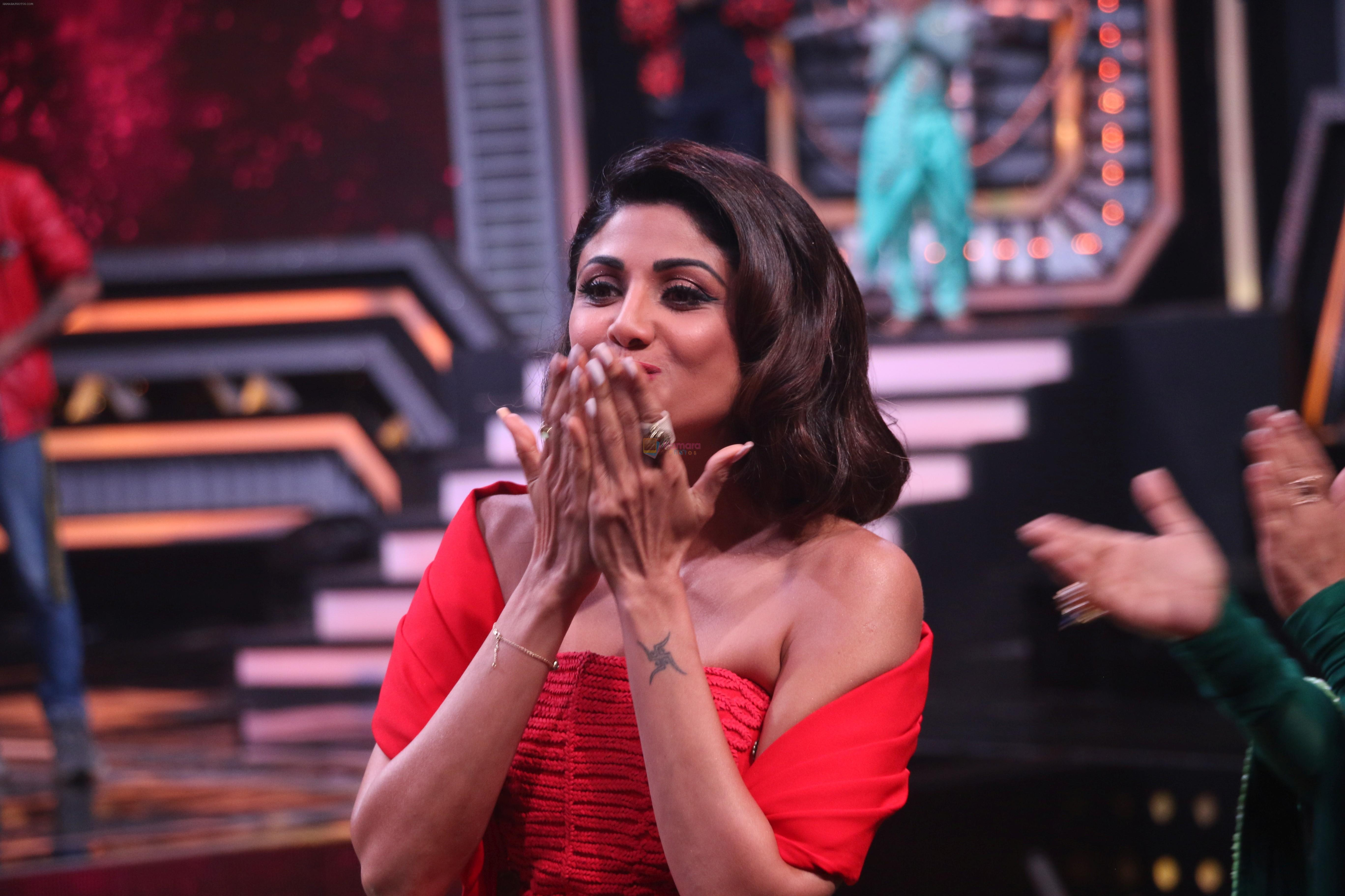 Shilpa Shetty on the sets of Super Dancer Chapter 3 in filmcity on 3rd June 2019