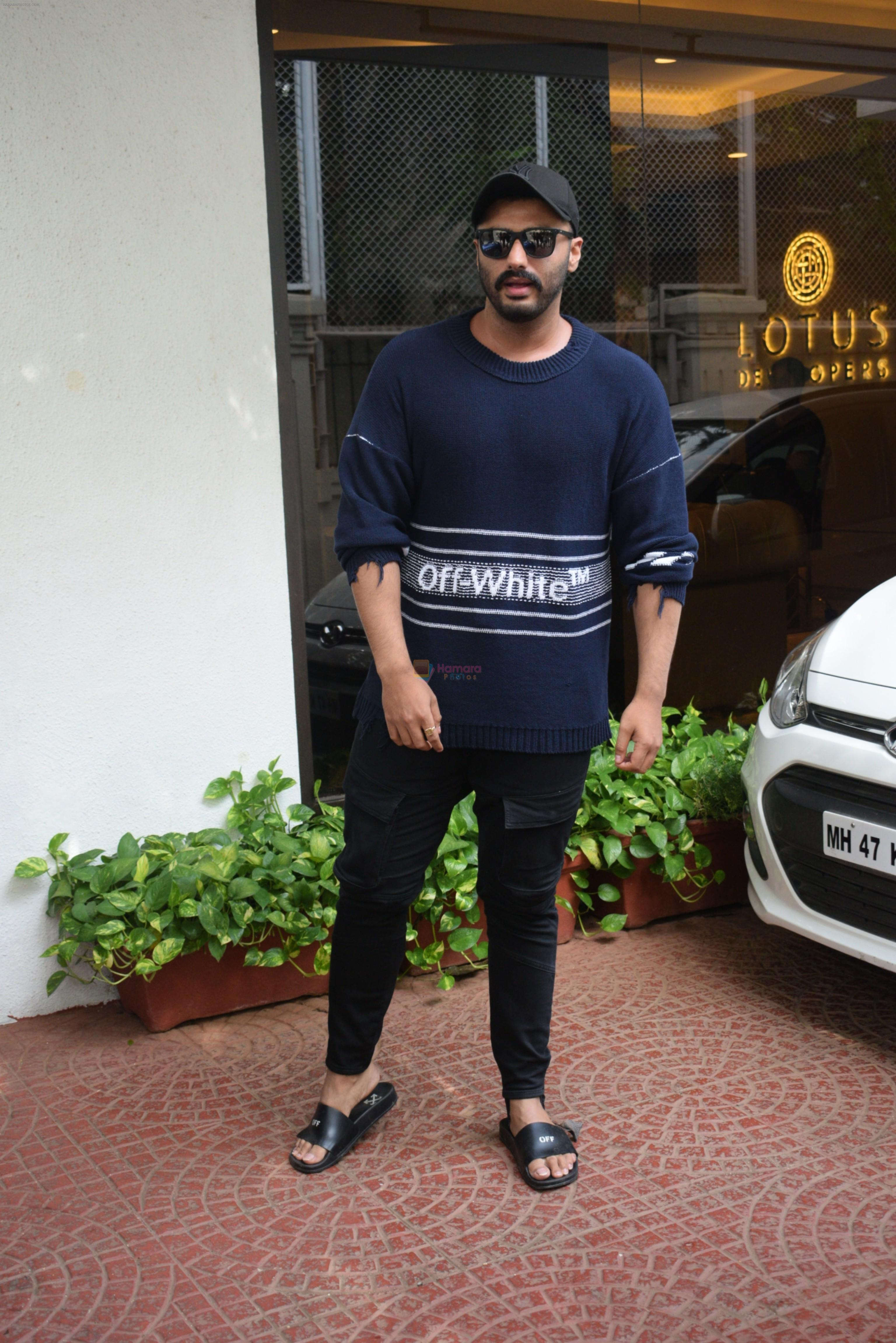 Arjun Kapoor spotted at Anand Pandit's house in juhu on 15th June 2019