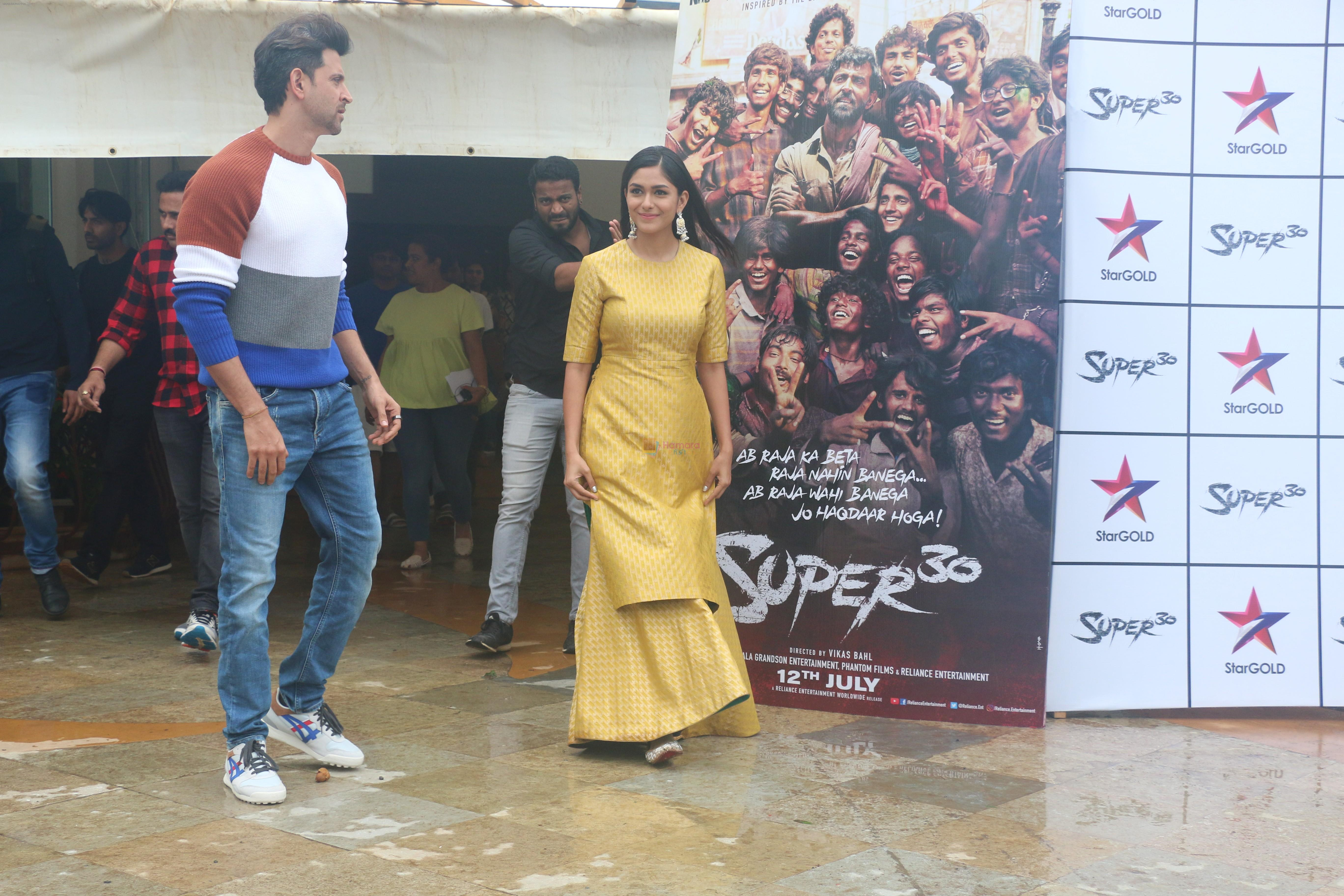 Hrithik Roshan, Mrunal Thakur for the promotions of Super 30 at Sun n Sand juhu on 30th June 2019
