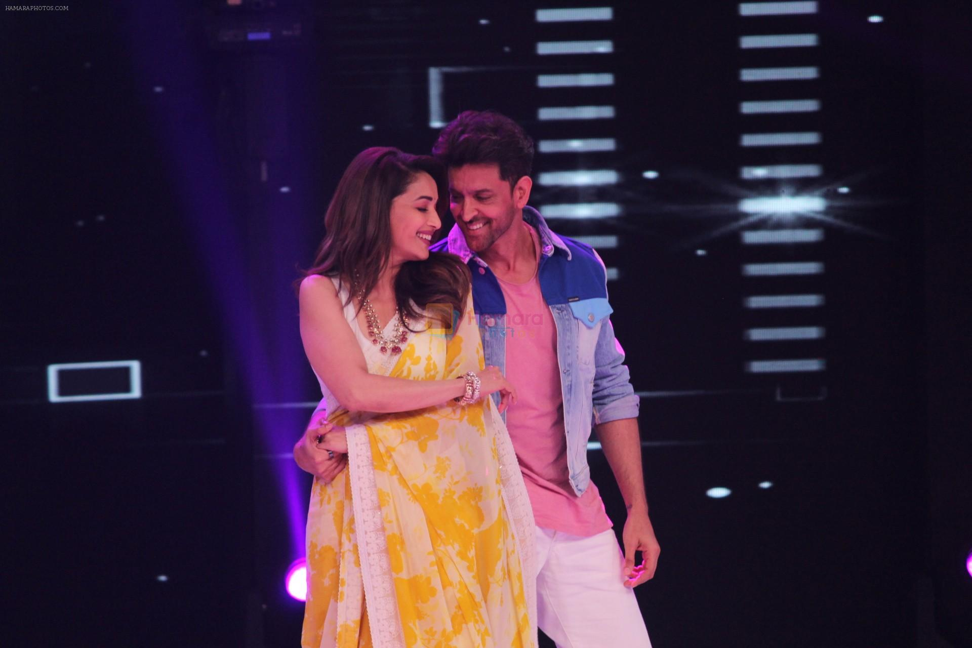 Hrithik Roshan, Madhuri Dixit on the sets of colors Dance Deewane in filmcity on 2nd July 2019