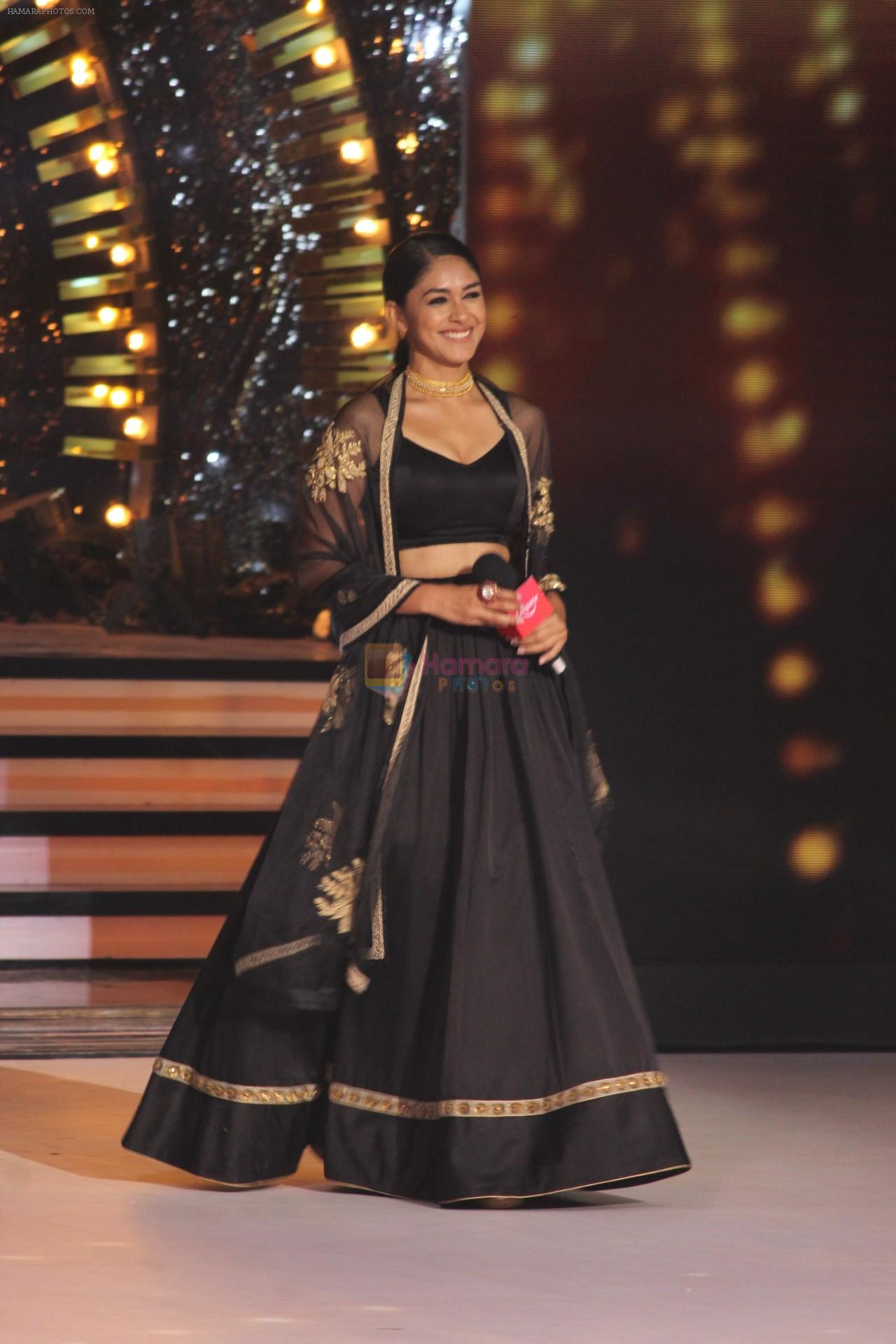 Mrunal Thakur on the sets of colors Dance Deewane in filmcity on 2nd July 2019