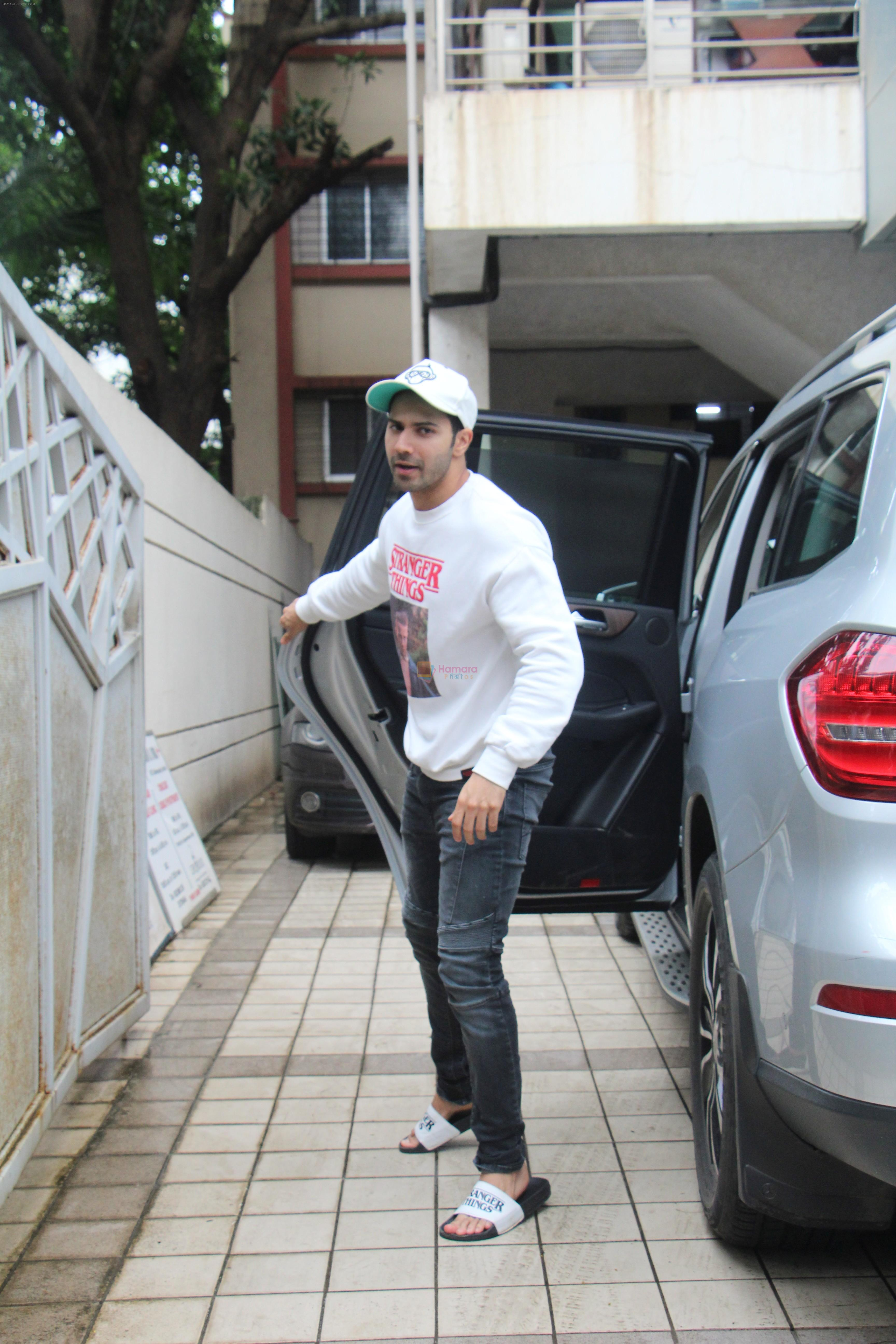 Varun Dhawan spotted at juhu on 1st Aug 2019