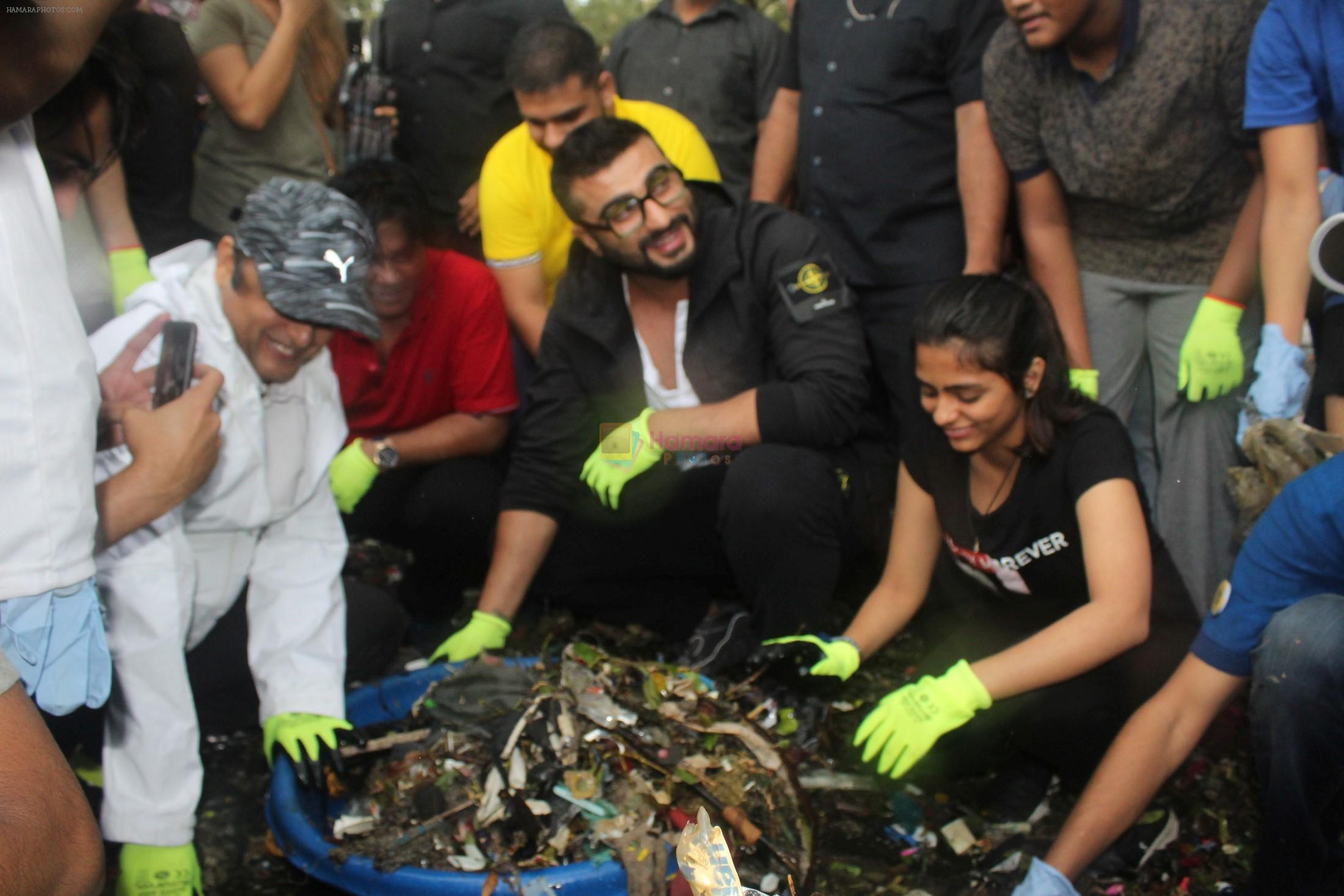 Arjun Kapoor will be flagging off the 2nd edition of the Beach clean up drive at Carter Road in Mumbai on Sunday on 4th Aug 2019