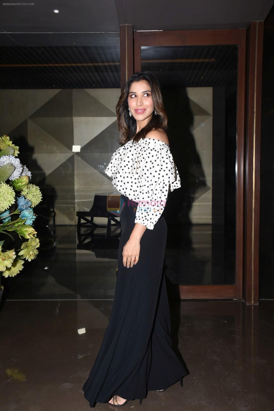 Sophie Choudry at Jacky Bhagnani's party at bandra on 5th Aug 2019