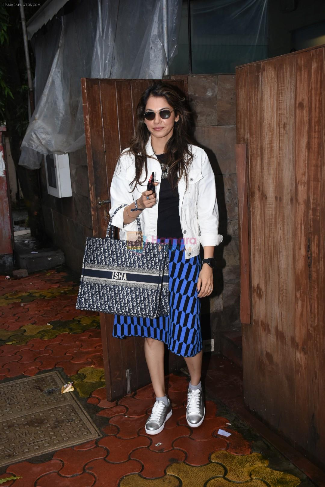 Isha Koppikar spotted at indigo in bandra on 5th Aug 2019