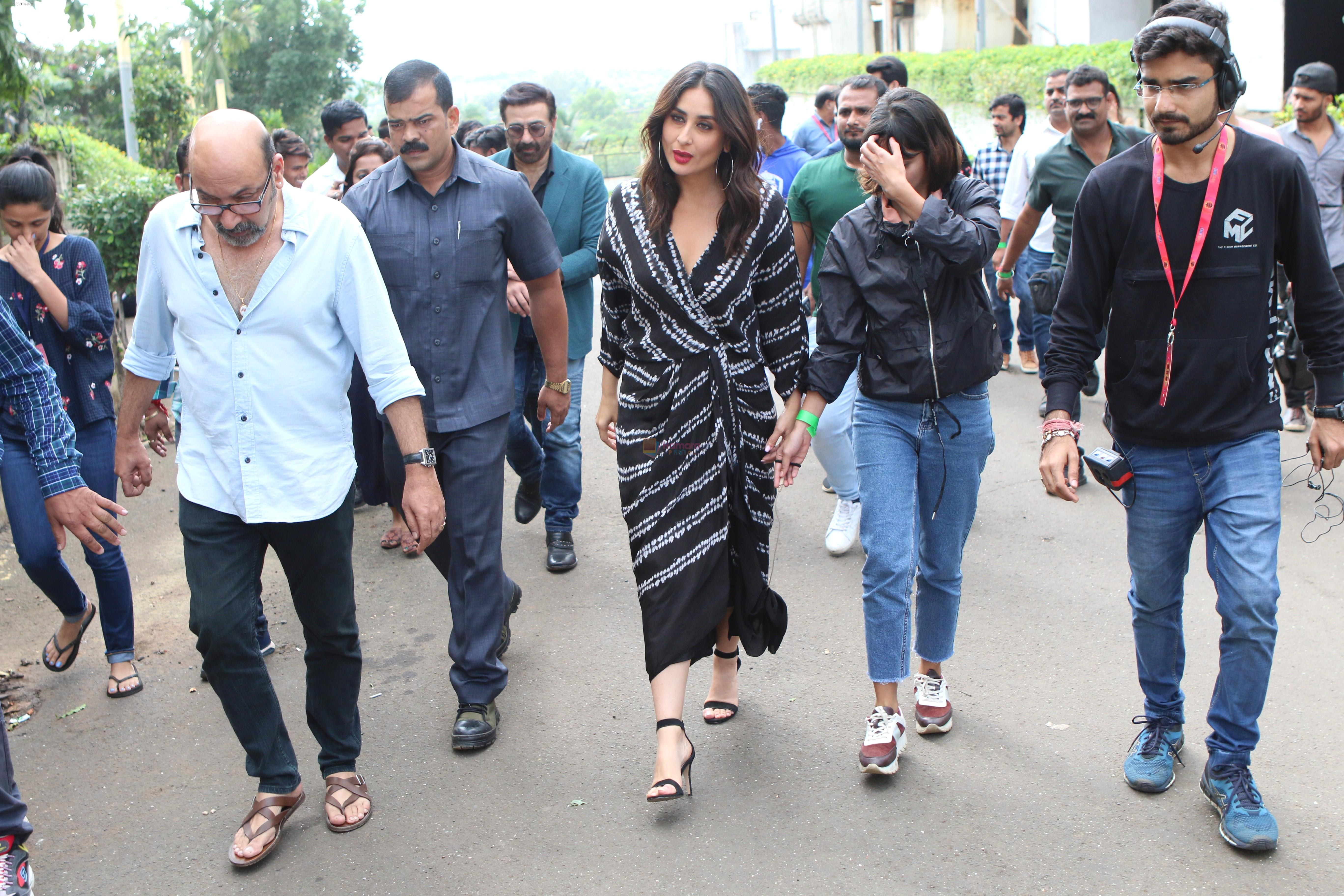 Kareena Kapoor on the sets of Dance India Dance at filmcity in goregoan on 22nd Aug 2019
