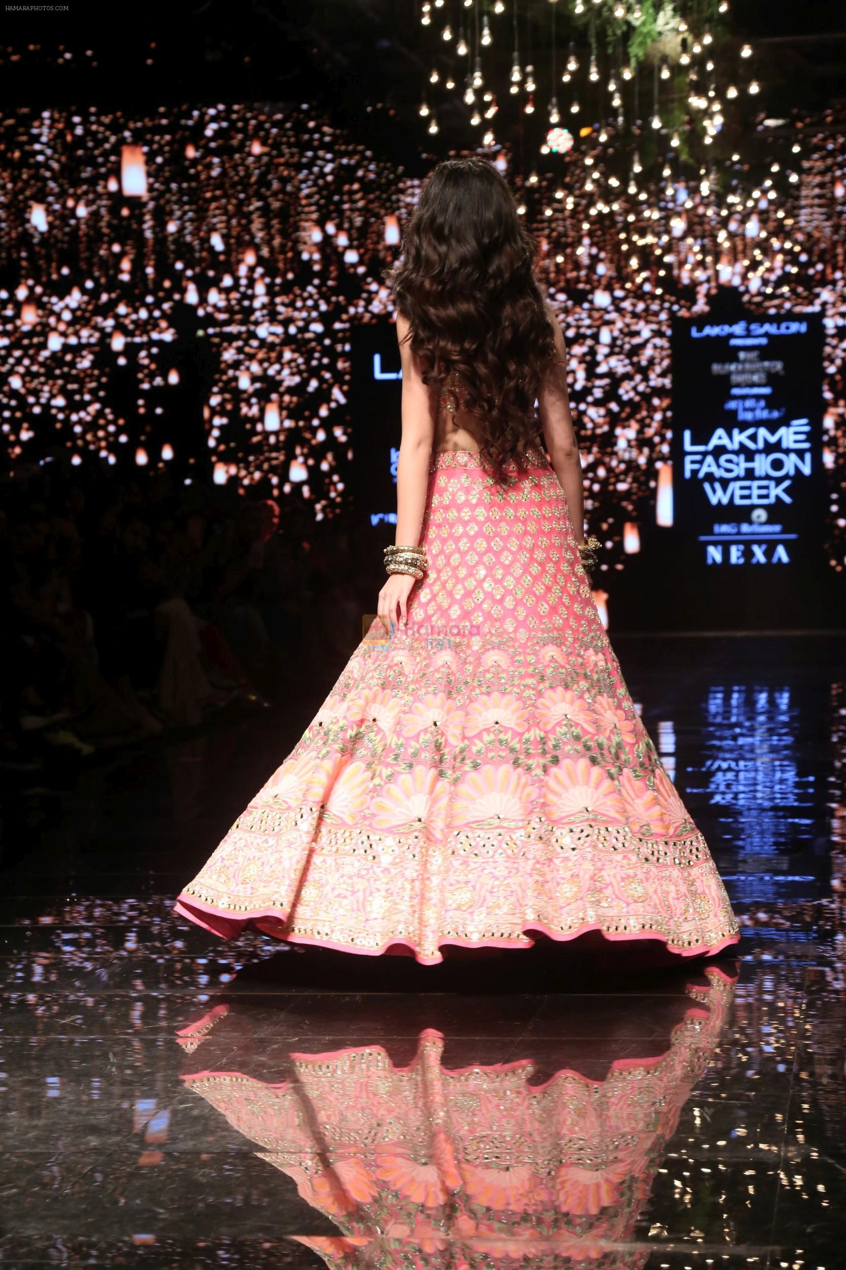 Ananya Pandey walks for Arpita Mehta at LFW 2019 on 24th Aug 2019