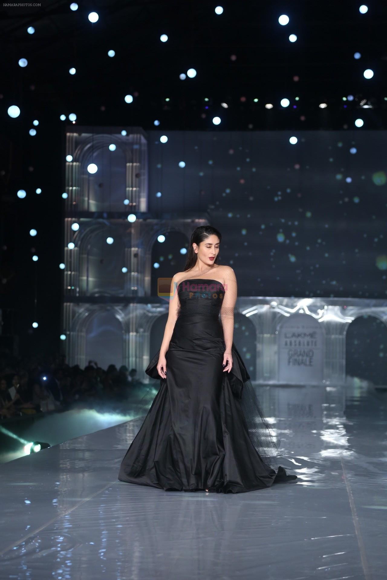 Kareena Kapoor Khan walks for Gauri & Nainika At Lakme Fashion Week 2019 on 25th Aug 2019