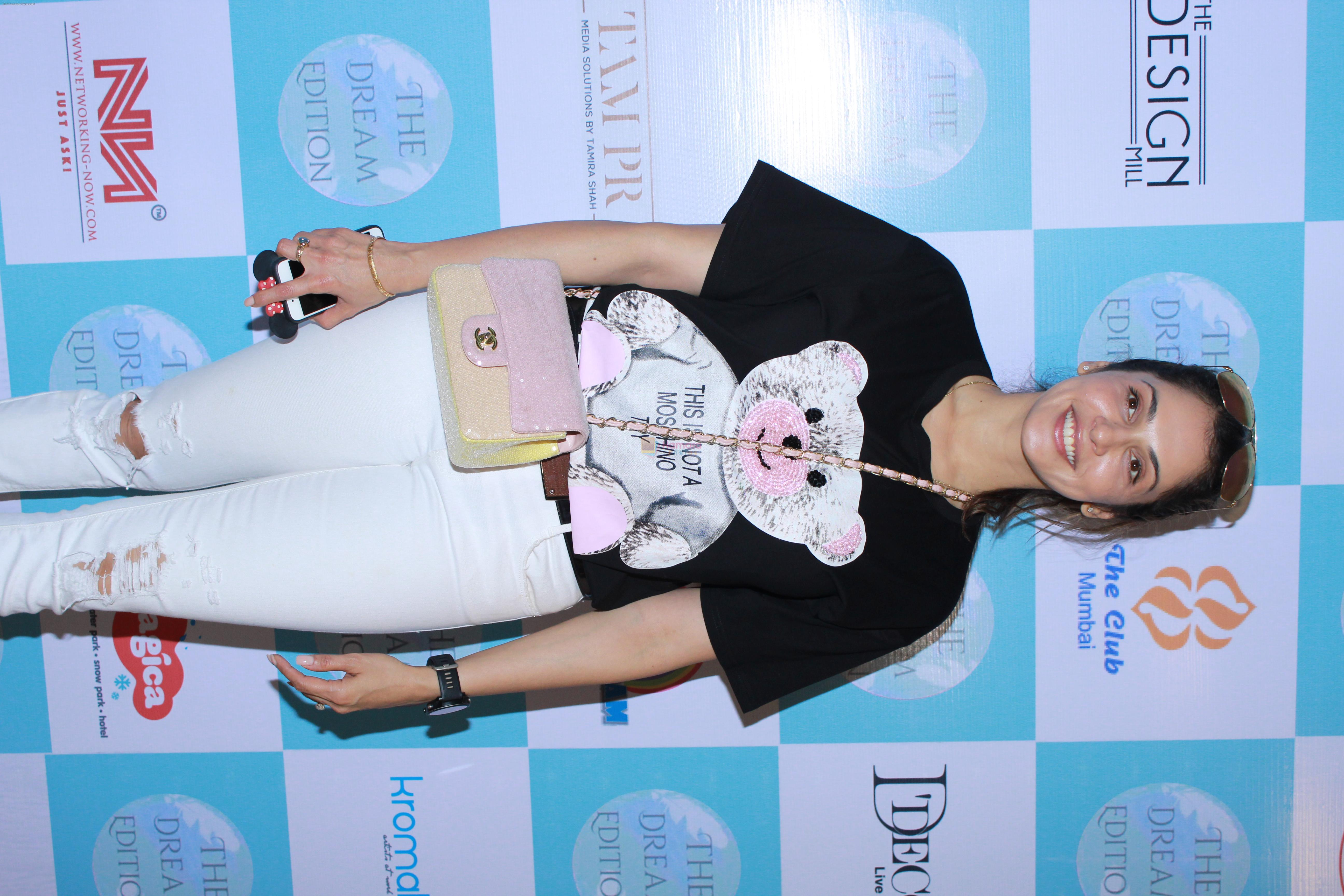 Isha Koppikar At The Dream Edition Lifestyle Fare For Mommies & Kids on 28th AUg 2019