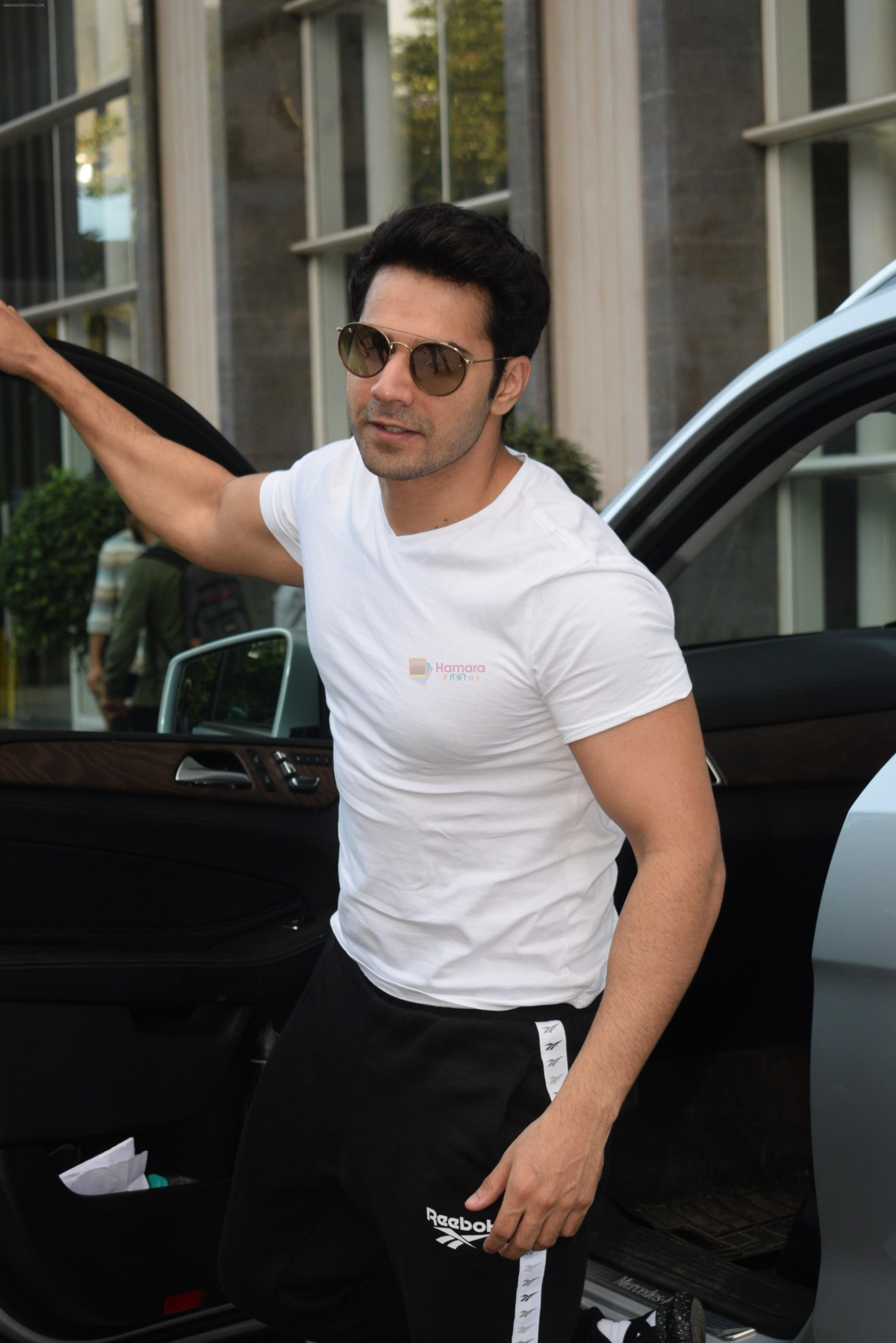 Varun Dhawan spotted at andheri on 28th Aug 2019