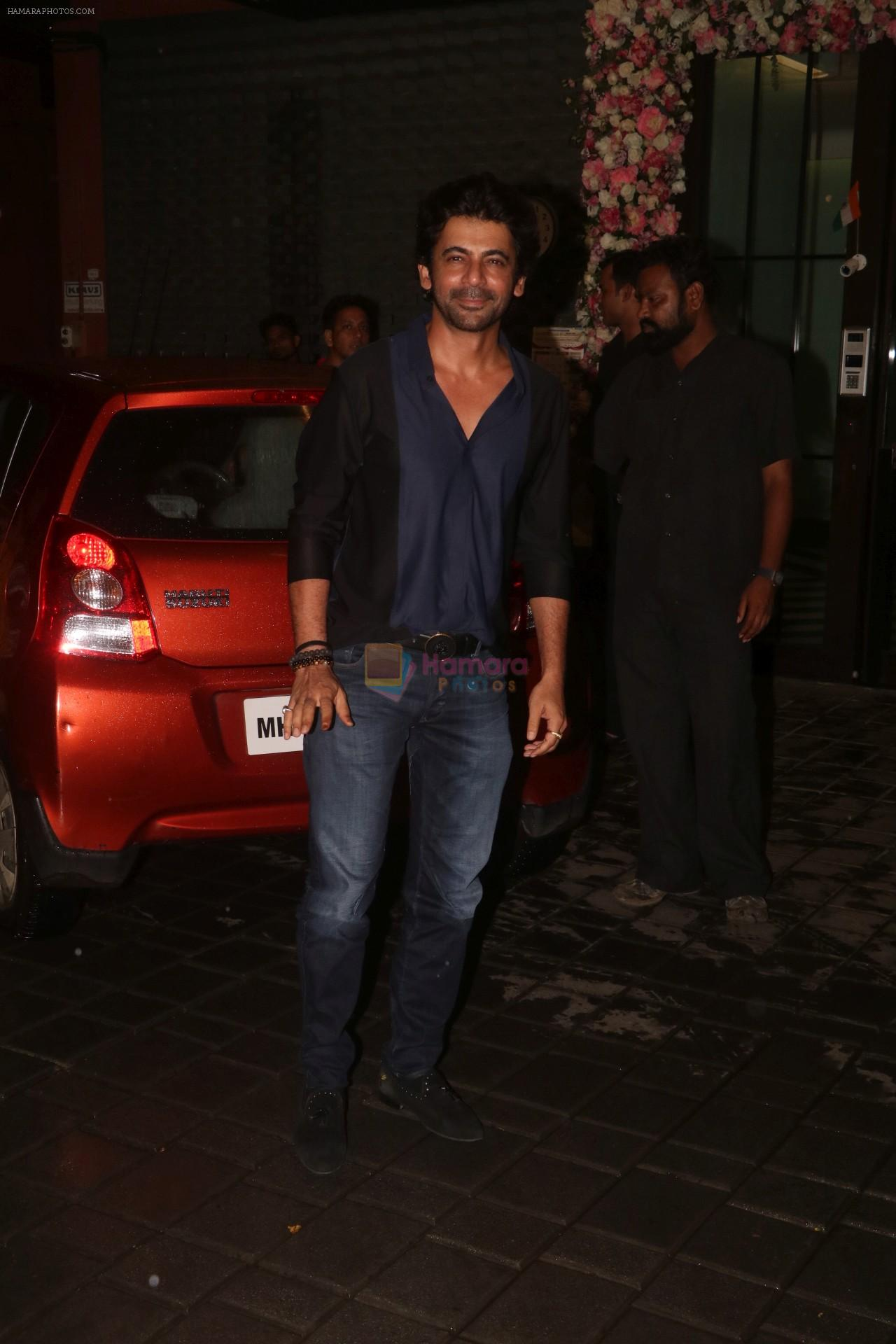 Sunil Grover at Arpita Khan's home for Ganesh Chaturthi on 2nd Sept 2019