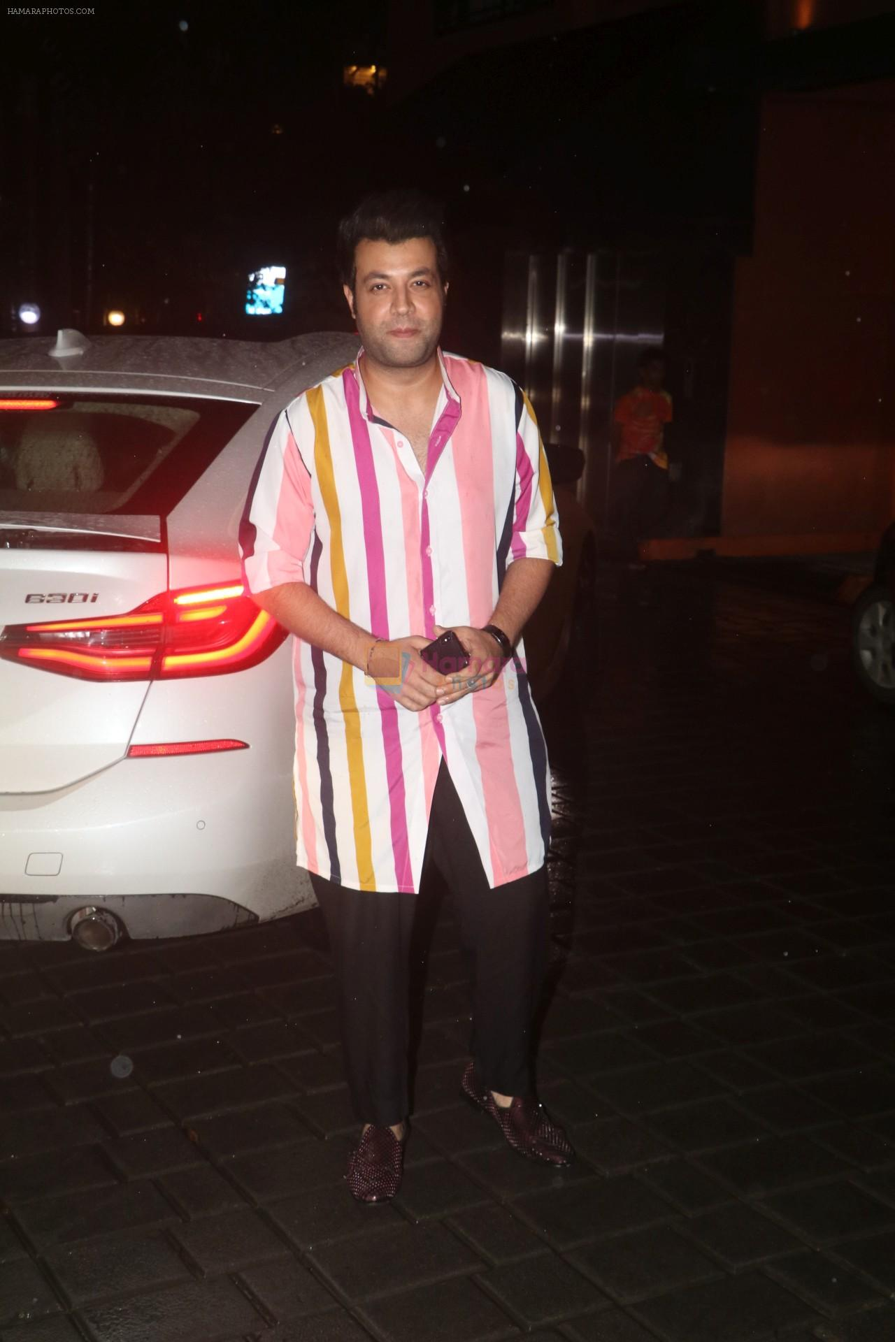 Varun Sharma at Arpita Khan's home for Ganesh Chaturthi on 2nd Sept 2019