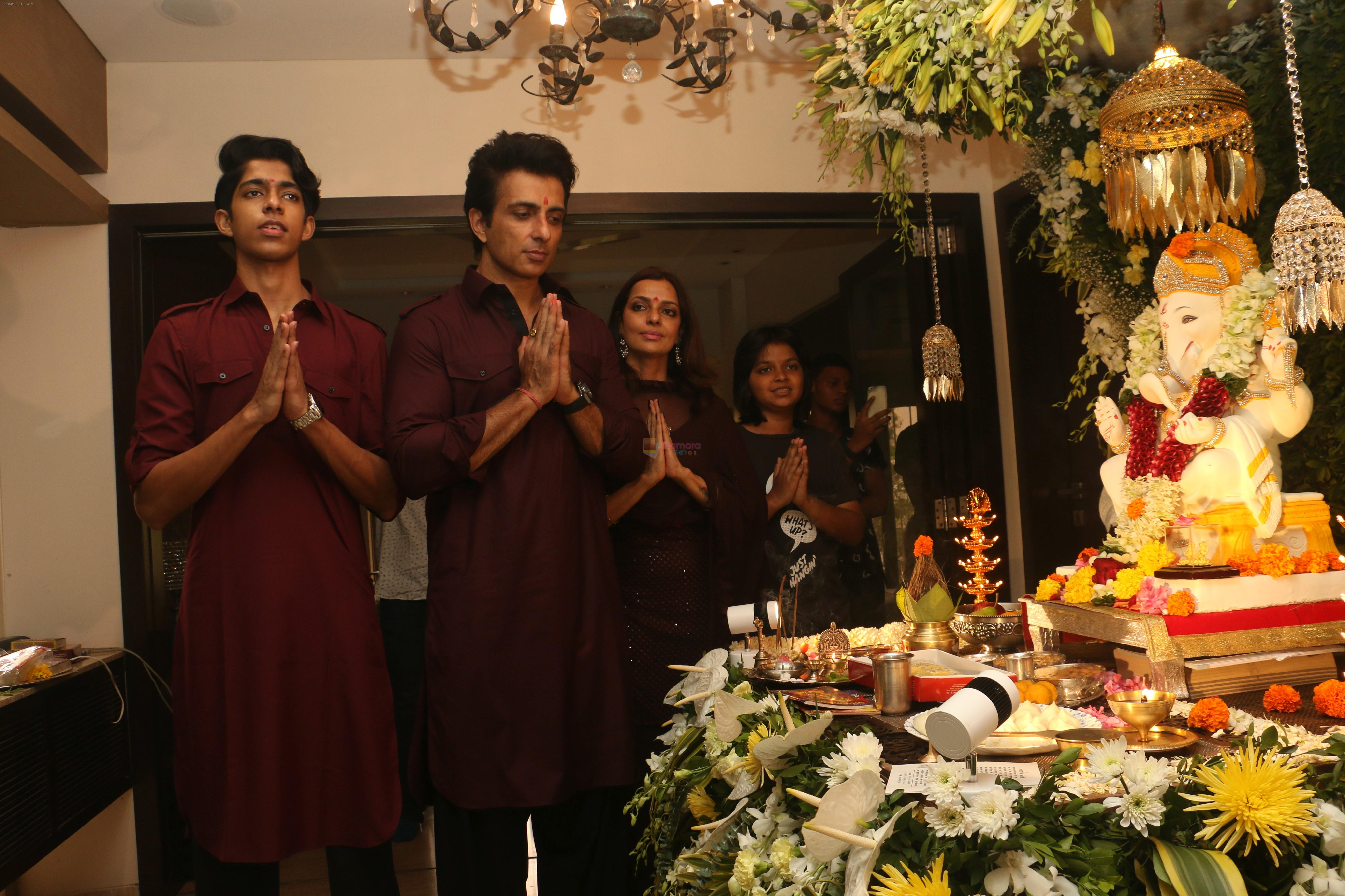 Sonu Sood's Ganpati celebration at his house on 2nd Sept 2019