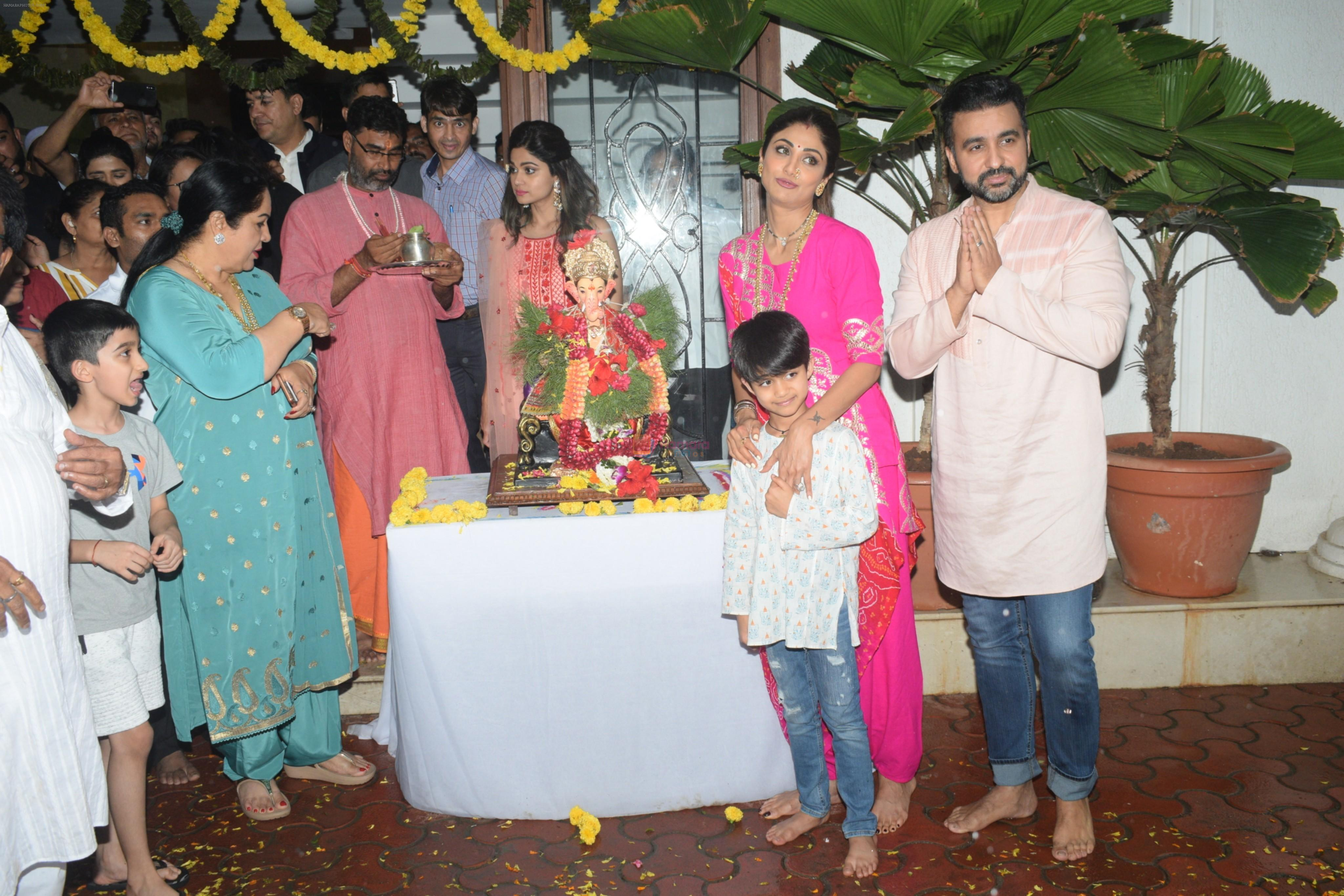 Shilpa Shetty ganpati Visarjan at juhu on 3rd Sept 2019