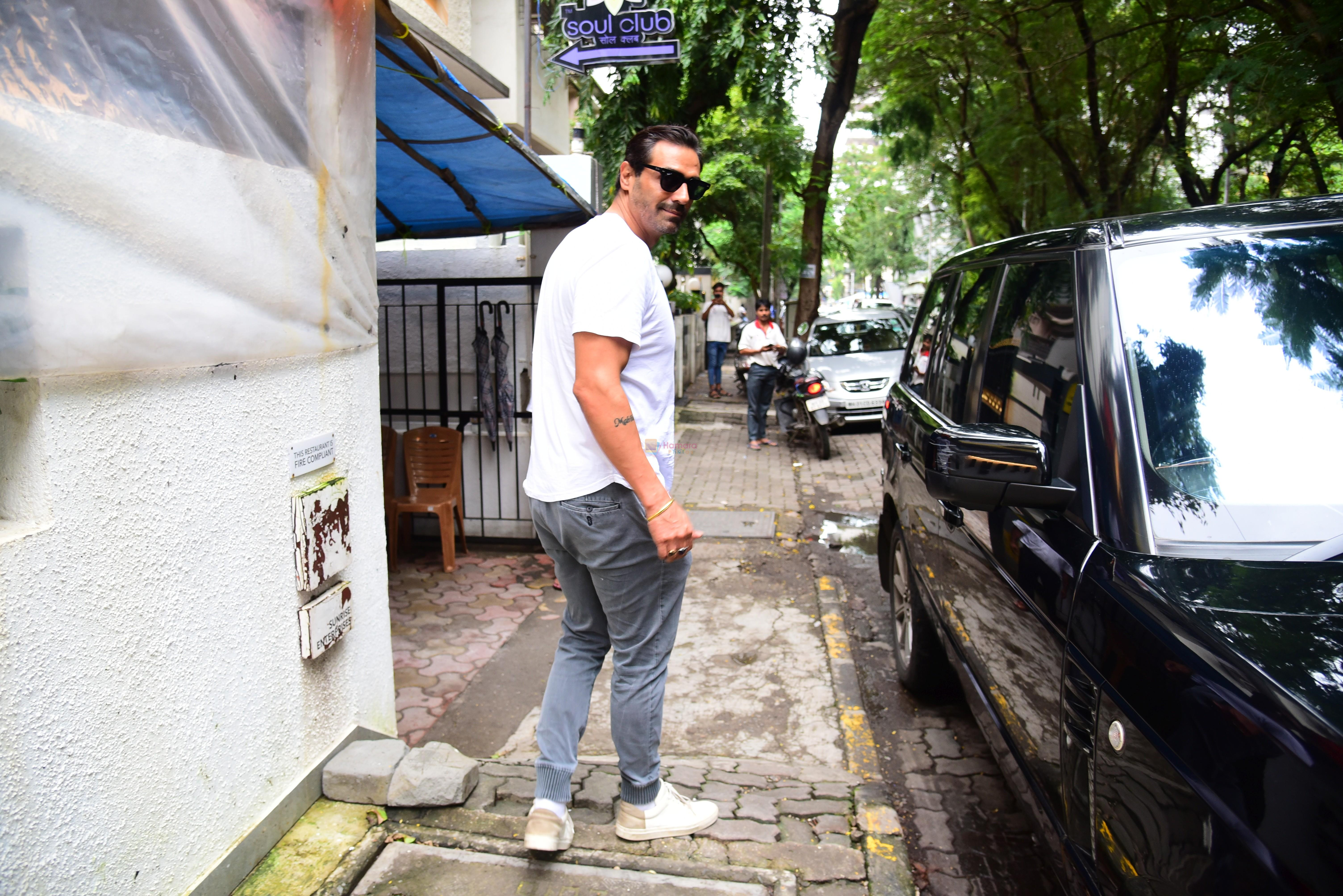 Arjun Rampal spotted at bandra on 12th Sept 2019