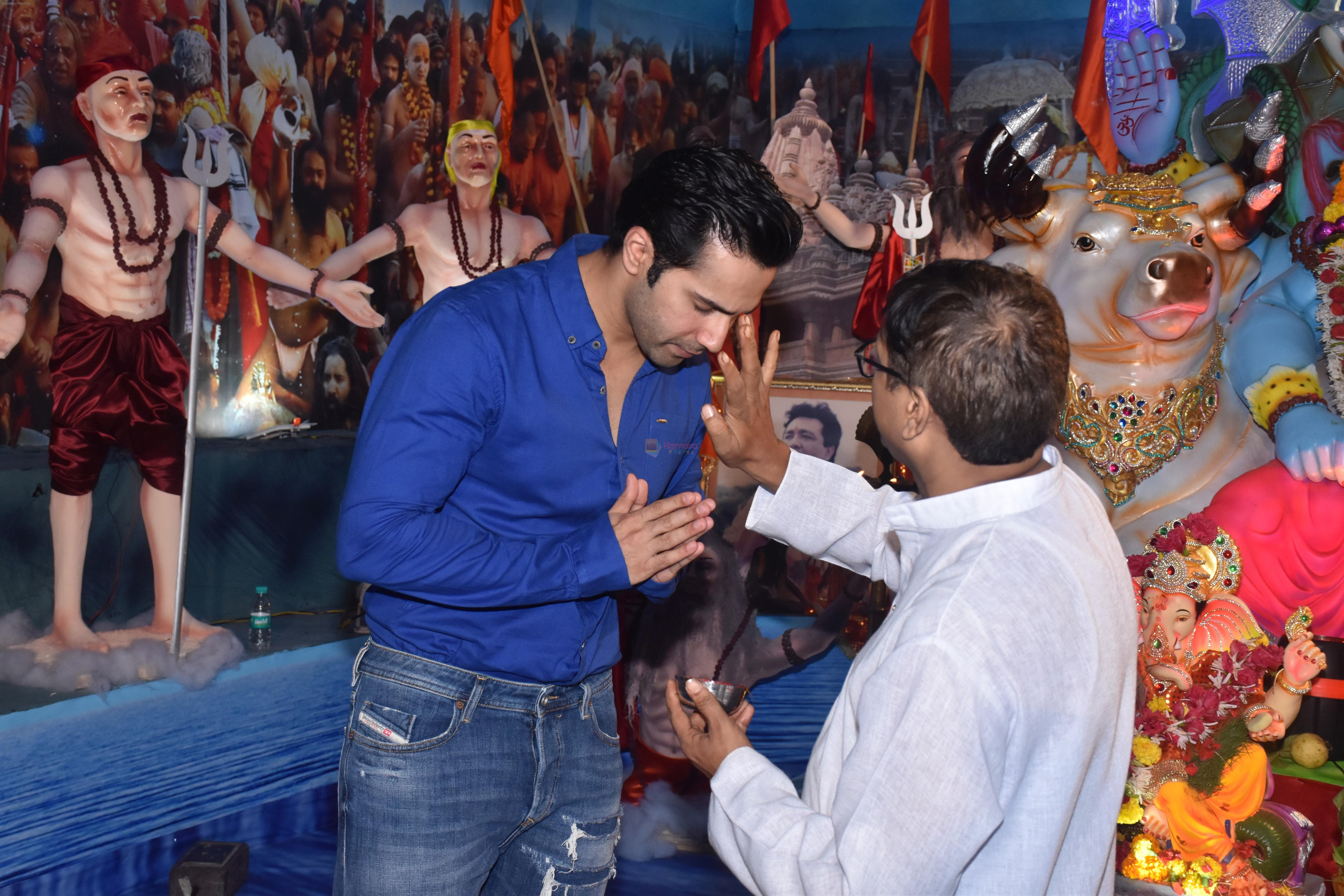 Varun Dhawan at Tseries office in andheri for Ganesh darshan on 12th Sept 2019