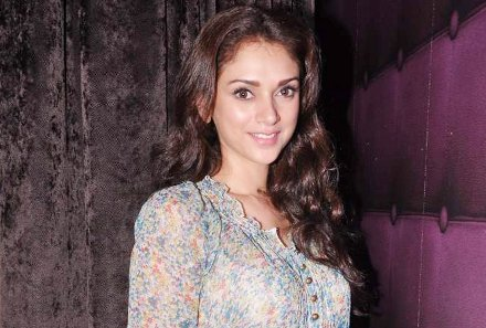 Aditi Rao Hydari at Lucky Morani's bday bash in Hard Rock, Mumbai on 19th Sept 2013