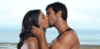Ashmit Patel kissing Veena Malik in still from Super Model