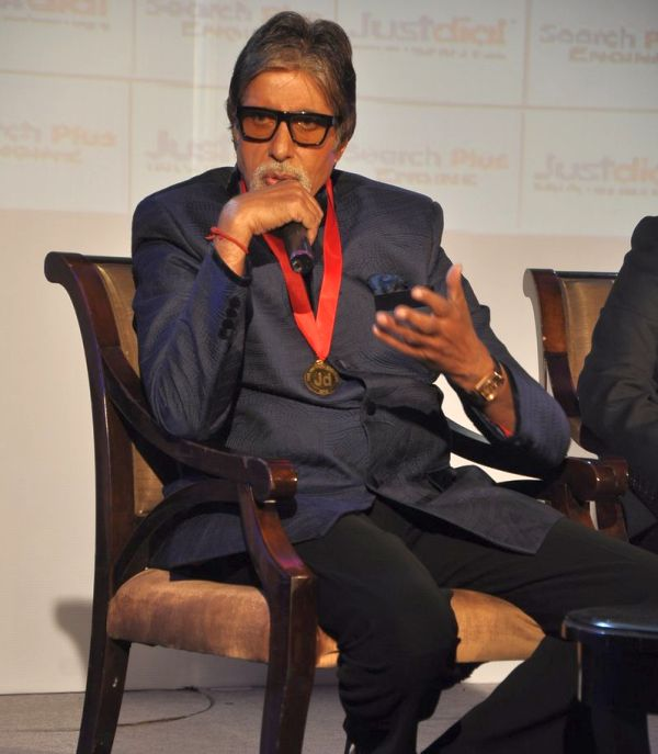 Amitabh Bachchan promotes website JustDial in Mumbai on 7th Dec 2013