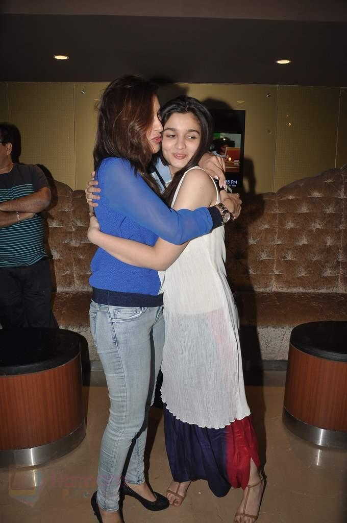 Alia Bhatt, Sophie Chaudhary at Highway promotions in PVR, Mumbai on 22nd Feb 2014