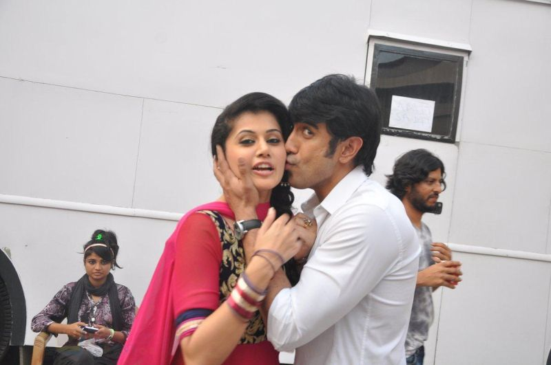 Amit Sadh and Taapsee Pannu at a photo shoot in Mumbai on 24th Feb 2014