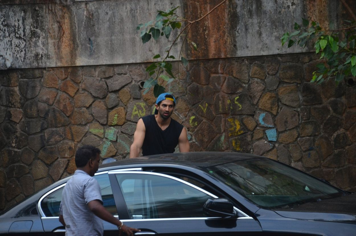 Aditya Roy Kapoor snapped in Bandra getting inside the car
