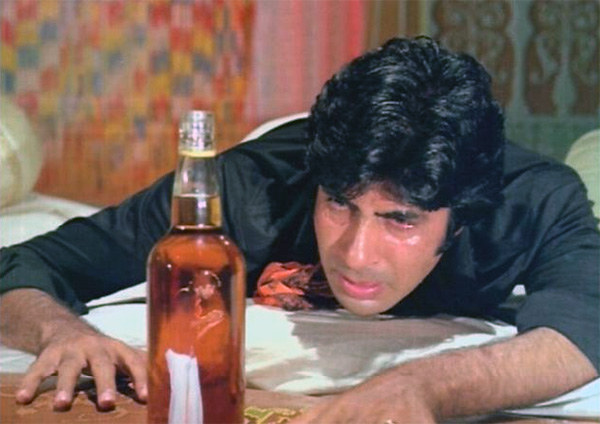Amitabh Bachchan says no to drinking