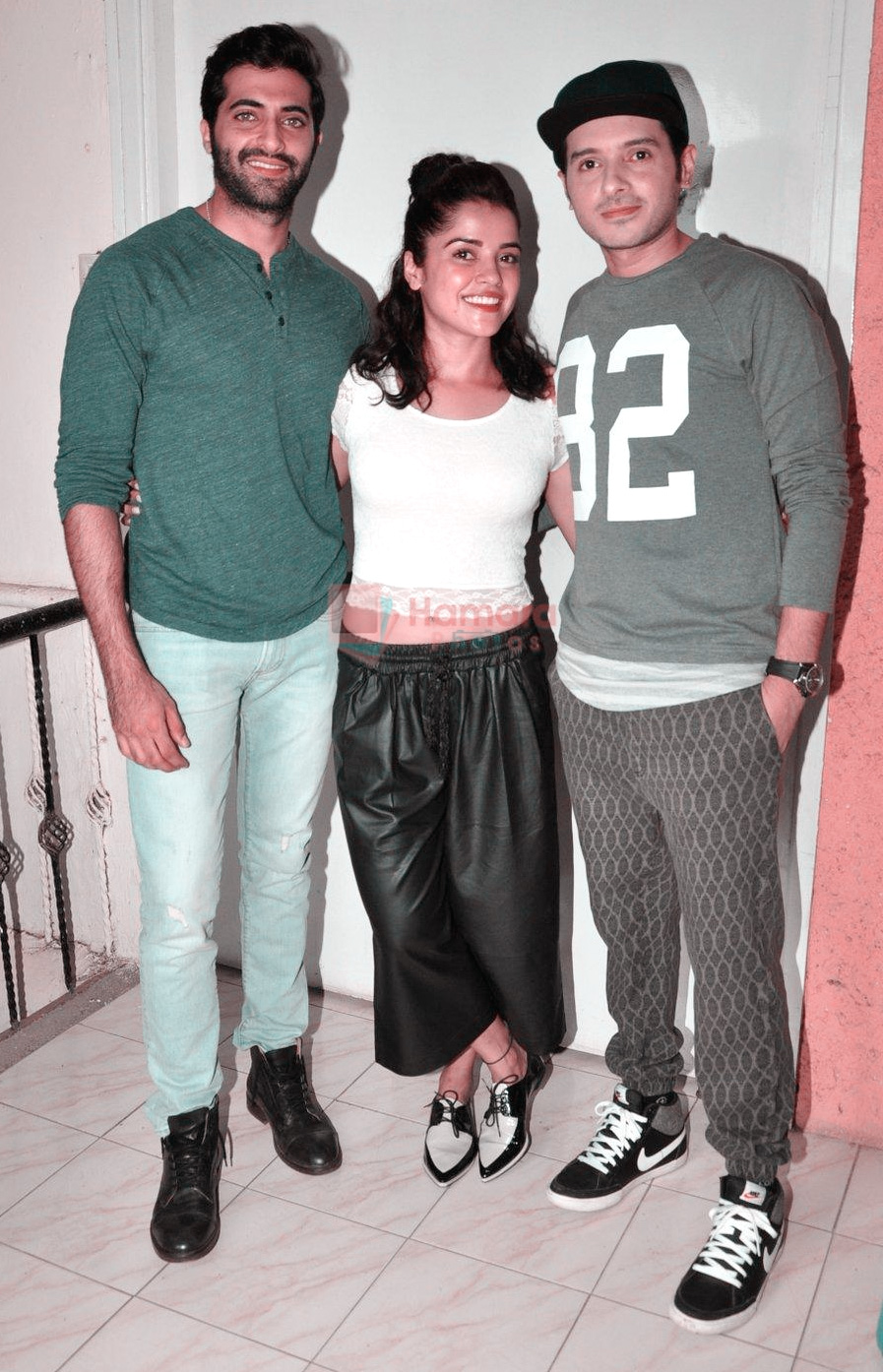 Divyendu sharma, Akshay Oberoi, Pia Bajpai at the launch of film The Virgins on 24th June 2016