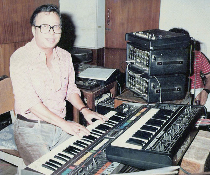 Melody Master R.D.Burman at the synthesizers - Picture clicked by Chaitanya Padukone in 1983