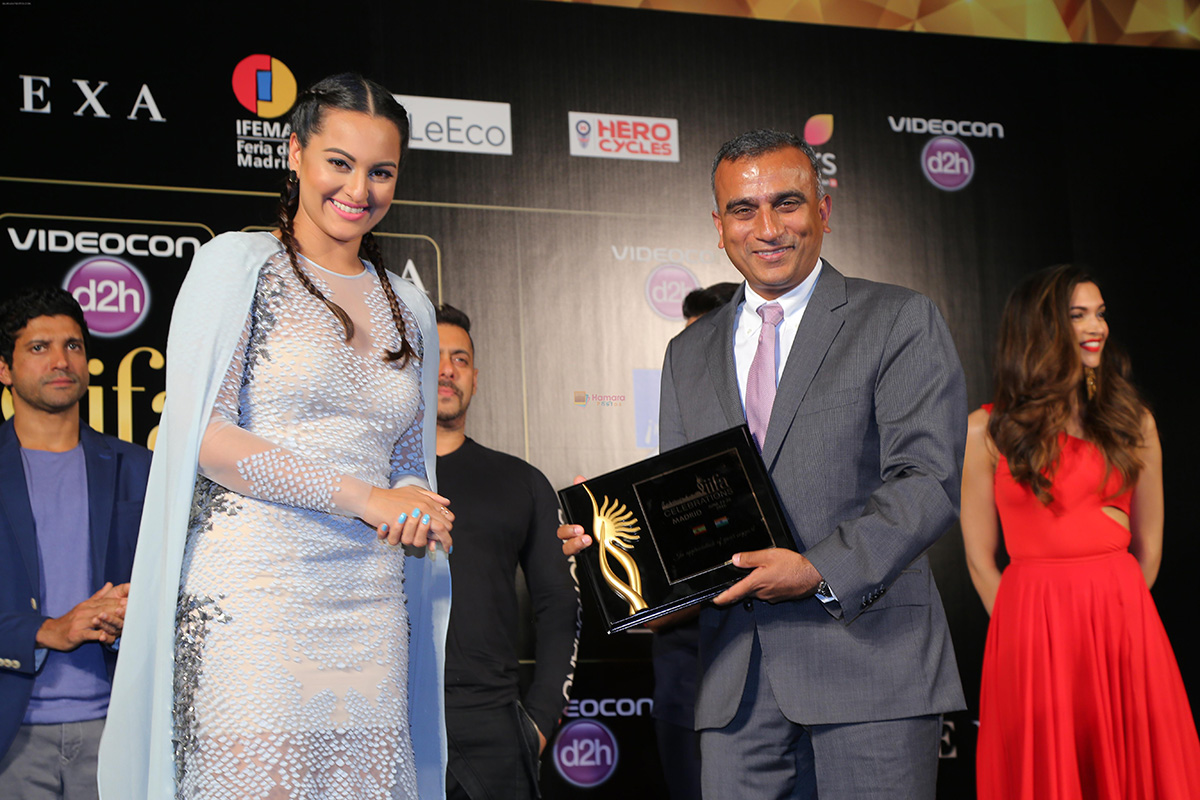 Sonakshi Sinha with Sudhanshu Vats at the IIFA 2016 Opening Press Conference in Madrid