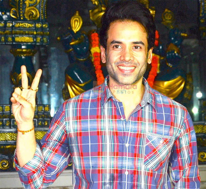 Tusshar Kapoor announces arrival of his son on June 27, 2016