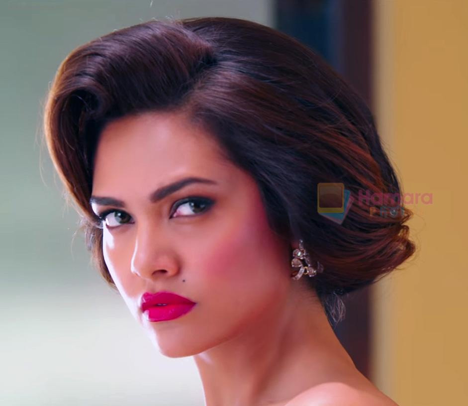 Esha Gupta in Rustom Movie Stills