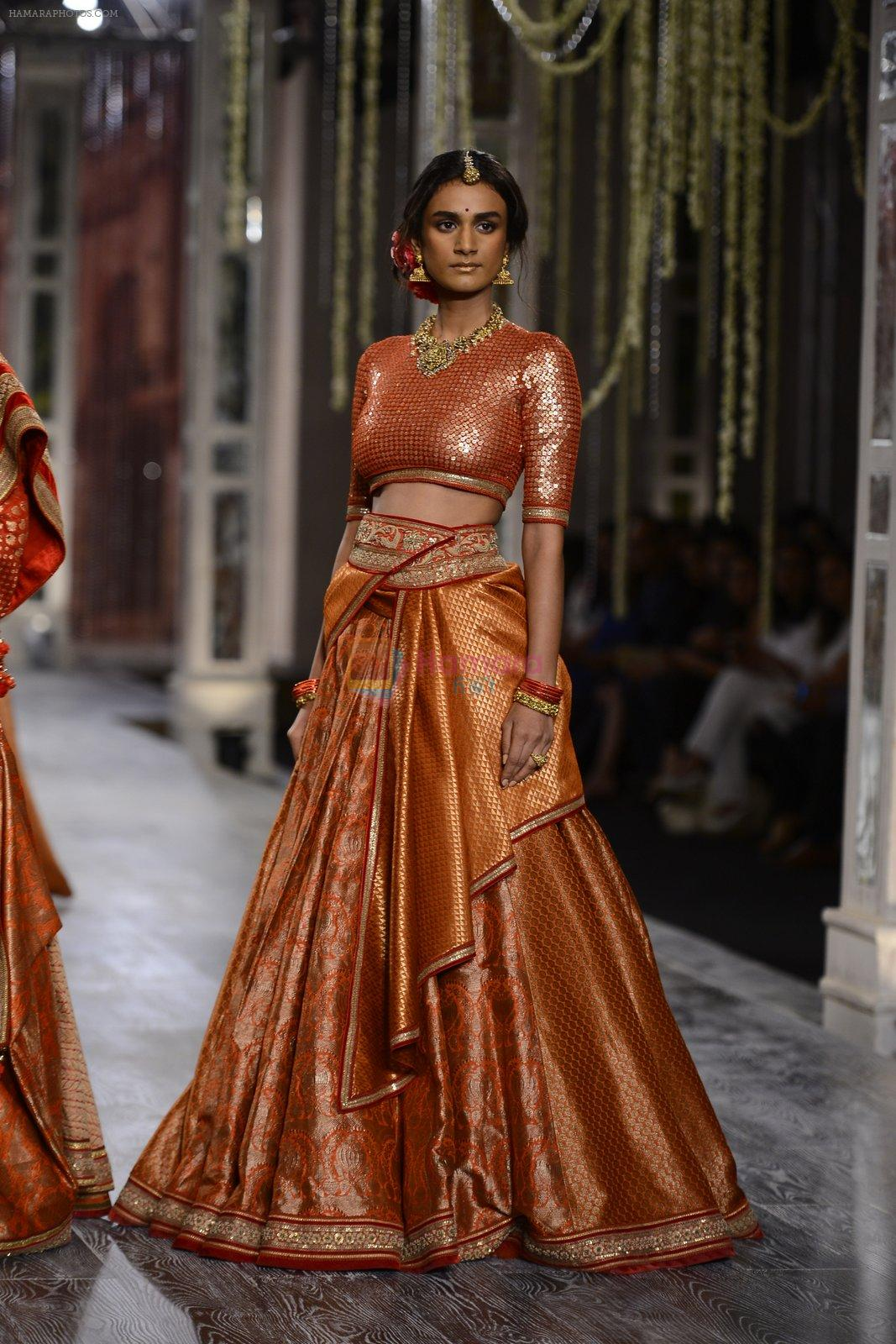 Model walk the ramp for Tarun Tahiliani show at the FDCI India Couture Week 2016 on 21st July 2016