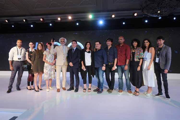 Mr. SUNIL SETHI, PRESIDENT, FDCI ANNOUNCES HUAWEI P9 AS OFFICIAL CAMERAPHONE FOR THE UPCOMING EDITION OF AMAZON INDIA FASHION WEEK IN PRESENCE OF FDCI DESIGNERS