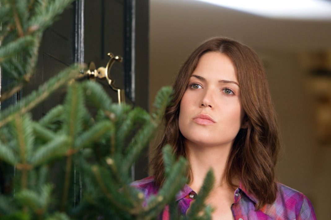 Mandy Moore in Christmas in Conway